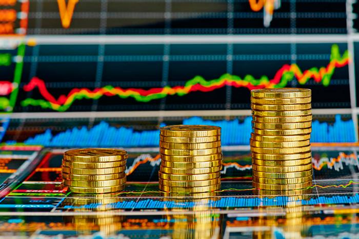 Биржевой график и монеты